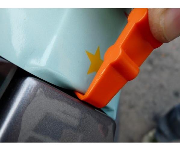 Ракель для згинів і підрізів YelloMini Hang-Loose 90 Plastic squeegee 82 ° Yellotools